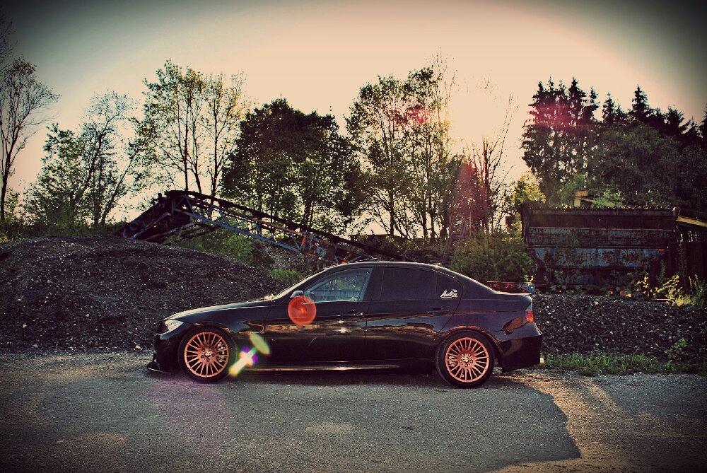 BMW E90 - Black Sapphire Metallic - 3er BMW - E90 / E91 / E92 / E93