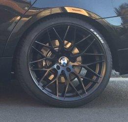AEZ Antigua dark Felge in 9.5x19 ET 40 mit Pirelli PZero Silver Reifen in 255/30/19 montiert hinten Hier auf einem 3er BMW E91 320d (Touring) Details zum Fahrzeug / Besitzer