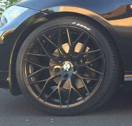 AEZ Antigua dark Felge in 8.5x19 ET 35 mit Pirelli PZero Silver Reifen in 225/35/19 montiert vorn Hier auf einem 3er BMW E91 320d (Touring) Details zum Fahrzeug / Besitzer
