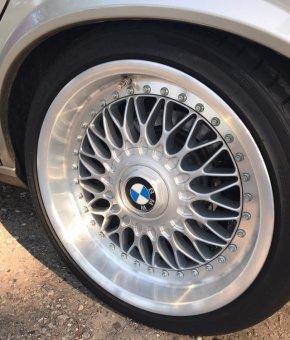BBS  Felge in 9x17 ET 26 mit Hankook Ventura v12 evo2 k120 Reifen in 215/40/17 montiert vorn Hier auf einem 5er BMW E28 525e (Limousine) Details zum Fahrzeug / Besitzer