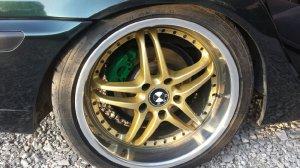 Barracuda manaray Felge in 8.5x18 ET 47 mit Bridgestone  Reifen in 225/40/18 montiert vorn Hier auf einem 3er BMW E46 316i (Limousine) Details zum Fahrzeug / Besitzer