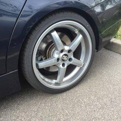 O.Z Titanium Felge in 8x19 ET 35 mit Fulda Sportcontrol Reifen in 225/35/19 montiert hinten mit 20 mm Spurplatten Hier auf einem 3er BMW E90 330i (Limousine) Details zum Fahrzeug / Besitzer