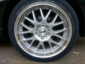ASA Felgen AR1 Felge in 9x18 ET 35 mit Vredestein Ultrac Vorti Reifen in 225/35/18 montiert hinten Hier auf einem 3er BMW E46 325i (Limousine) Details zum Fahrzeug / Besitzer