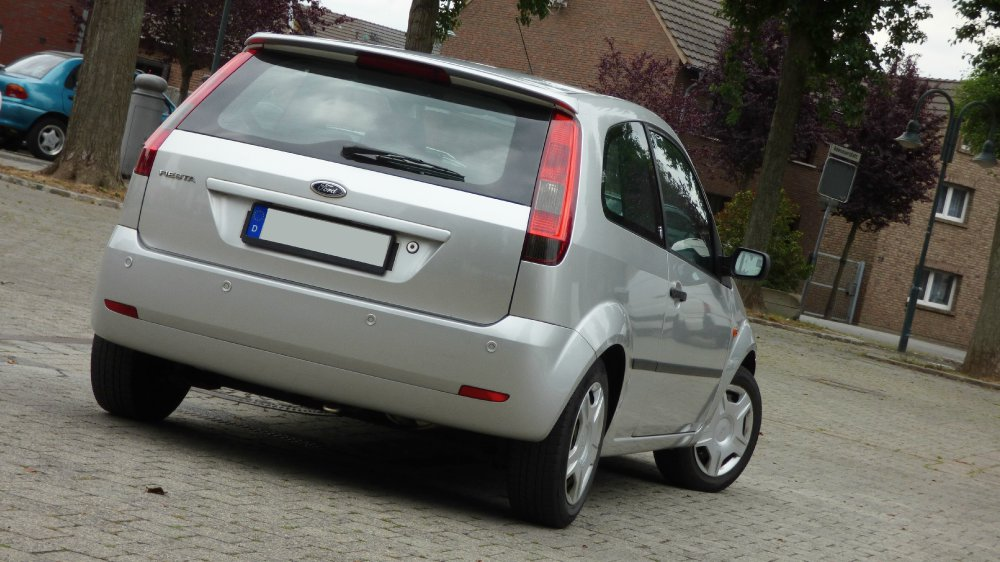 Ford Fiesta JD3 1.6 Ghia 3-Türer - Fremdfabrikate
