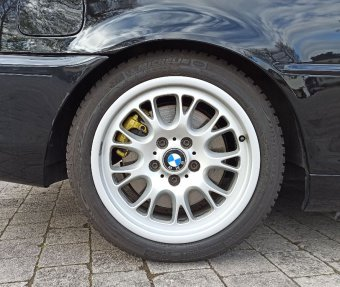 BMW Styling 133 Felge in 8x17 ET 47 mit Michelin Alpin Reifen in 225/45/17 montiert hinten Hier auf einem 3er BMW E46 330i (Coupe) Details zum Fahrzeug / Besitzer