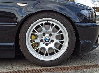BMW Styling 133 Felge in 8x17 ET 47 mit Hankook winter i*cept evo2 Reifen in 225/45/17 montiert vorn Hier auf einem 3er BMW E46 330i (Coupe) Details zum Fahrzeug / Besitzer