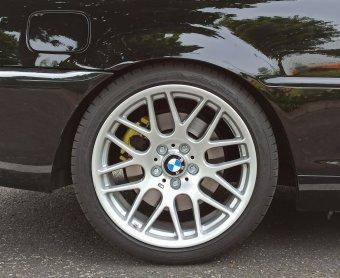 - NoName/Ebay - AVUS Racing AC-MB4 Felge in 9x18 ET 37 mit Dunlop SP Sport Maxx RT2 Reifen in 255/35/18 montiert hinten und mit folgenden Nacharbeiten am Radlauf: gebördelt und gezogen Hier auf einem 3er BMW E46 330i (Coupe) Details zum Fahrzeug / Besitzer