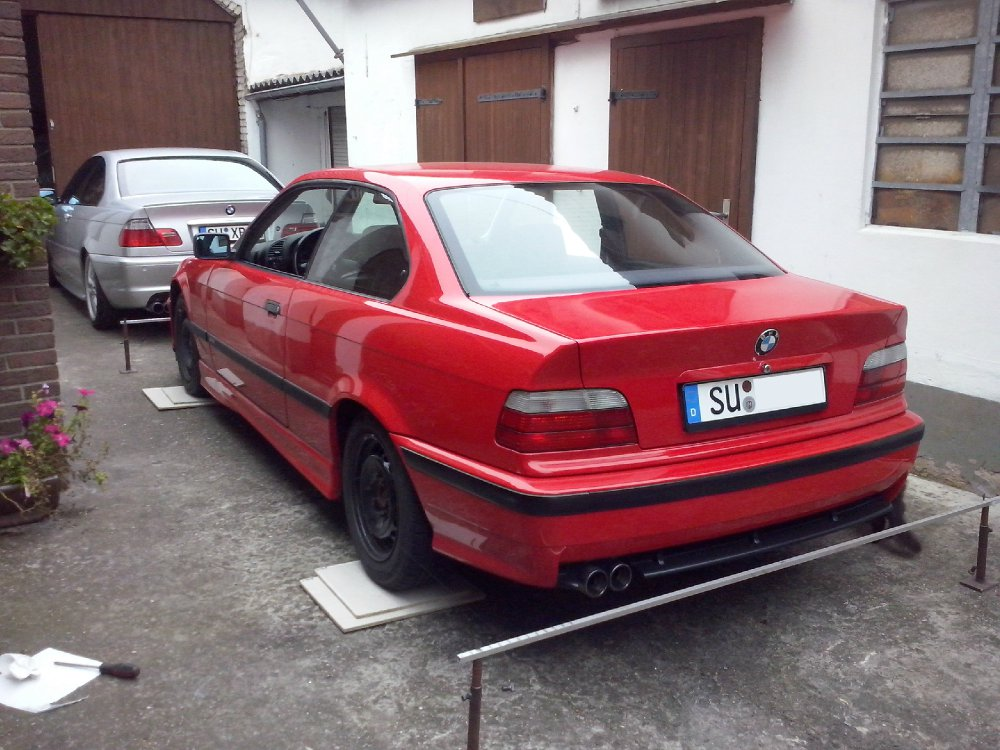 318is E36 Coupé Hellrot Class-II-Optik - 3er BMW - E36