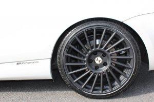 eta beta  Felge in 8.5x19 ET 42 mit Pirelli  Reifen in 225/35/19 montiert hinten Hier auf einem 1er BMW E82 120d (Coupe) Details zum Fahrzeug / Besitzer