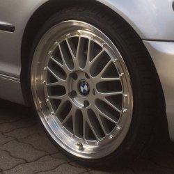 - NoName/Ebay - Ultra UA3 Felge in 8.5x19 ET 35 mit - NoName/Ebay - Achilles Atr sport Reifen in 225/35/19 montiert vorn Hier auf einem 3er BMW E46 320i (Limousine) Details zum Fahrzeug / Besitzer