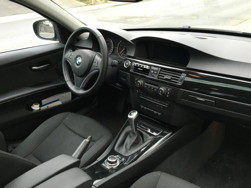 BMW 320i E90 LCI spacegrau - 3er BMW - E90 / E91 / E92 / E93