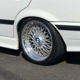 BBS RC 090 Felge in 8x17 ET 20 mit - NoName/Ebay -  Reifen in 205/40/17 montiert hinten Hier auf einem 3er BMW E36 328i (Limousine) Details zum Fahrzeug / Besitzer