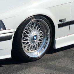BBS RC 090 Felge in 8x17 ET 20 mit - NoName/Ebay -  Reifen in 205/40/17 montiert vorn Hier auf einem 3er BMW E36 328i (Limousine) Details zum Fahrzeug / Besitzer