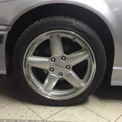 AC Schnitzer Typ 2 Felge in 8x17 ET 35 mit Fulda SportControl Reifen in 225/45/17 montiert vorn und mit folgenden Nacharbeiten am Radlauf: Kanten gebördelt Hier auf einem 3er BMW E36 316i (Limousine) Details zum Fahrzeug / Besitzer