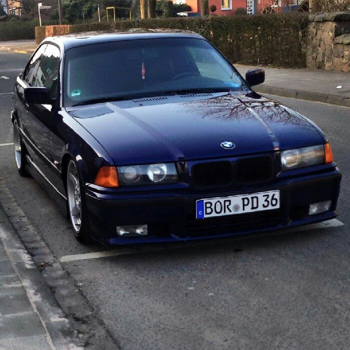 E36 320i Coupe Montrealblau [ 3er BMW