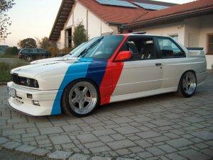 AC Schnitzer Typ 1 RS 1 3tlg. Felge in 10x17 ET 19 mit Yokohama A520 Reifen in 245/40/17 montiert hinten und mit folgenden Nacharbeiten am Radlauf: gebördelt und gezogen Hier auf einem 3er BMW E30 M3 (2-Türer) Details zum Fahrzeug / Besitzer