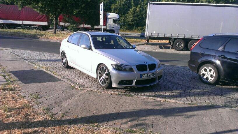 BMW e90, 318i Sedan - 3er BMW - E90 / E91 / E92 / E93