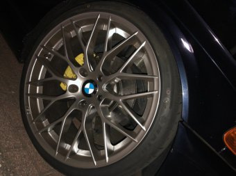 AEZ  Felge in 8.5x19 ET 33 mit AEZ  Reifen in 225/35/19 montiert vorn Hier auf einem 3er BMW E46 328i (Coupe) Details zum Fahrzeug / Besitzer