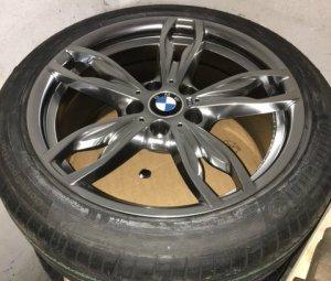 - NoName/Ebay - M 434 replica by Cromodora Felge in 8x18 ET 35 mit Continental SportContact5 SSR Reifen in 225/45/18 montiert vorn Hier auf einem 3er BMW F31 320d (Touring) Details zum Fahrzeug / Besitzer