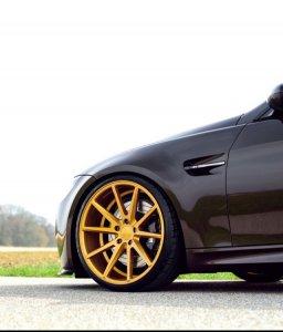 - Eigenbau - Vossen VFS 1 Felge in 9x20 ET 20 mit Michelin SP 2 Reifen in 235/30/20 montiert vorn mit 5 mm Spurplatten Hier auf einem 3er BMW E92 M3 (Coupe) Details zum Fahrzeug / Besitzer