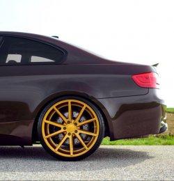 - Eigenbau - Vossen VFS 1 Felge in 10.5x20 ET 27 mit Michelin SP 2 Reifen in 285/25/20 montiert hinten mit 5 mm Spurplatten Hier auf einem 3er BMW E92 M3 (Coupe) Details zum Fahrzeug / Besitzer