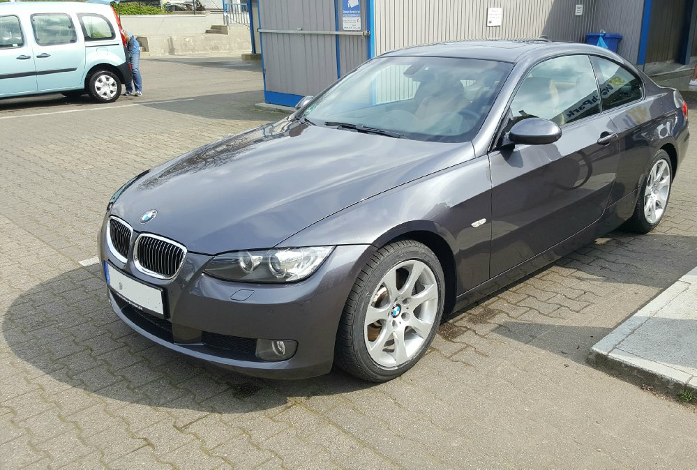 BMW 325i Coupe (E92) - 3er BMW - E90 / E91 / E92 / E93