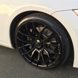 Breyton Race GTS Glossy Black Felge in 8.5x19 ET 30 mit Nexen NFera SU 1 Reifen in 225/35/19 montiert vorn Hier auf einem 3er BMW E92 335d (Coupe) Details zum Fahrzeug / Besitzer