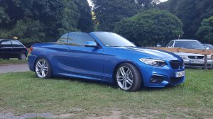 BMW M Performance M Felge Felge in 7.5x18 ET 45 mit Pirelli P7 Reifen in 225/40/18 montiert vorn mit 12 mm Spurplatten Hier auf einem 2er BMW F23 216i (Cabrio) Details zum Fahrzeug / Besitzer