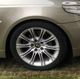 BMW M Performance Styling 135 Felge in 8x18 ET 20 mit Vredestein  Reifen in 245/40/18 montiert vorn Hier auf einem 5er BMW E61 523i (Touring) Details zum Fahrzeug / Besitzer