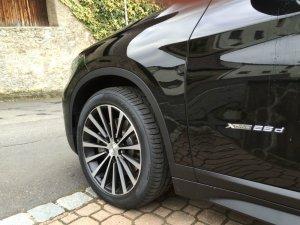 Borbet BLX Felge in 8.5x18 ET 45 mit Pirelli P7 Reifen in 245/45/18 montiert hinten Hier auf einem X1 BMW F48 xDrive25d (SAV) Details zum Fahrzeug / Besitzer