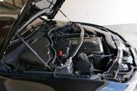 E90 330i  290 PS M(3) Fahrwerk - 3er BMW - E90 / E91 / E92 / E93 - Motorraum Carbon(2).JPG