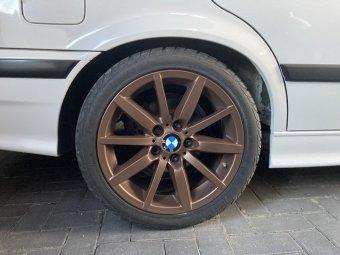 BMW Styling 286 Felge in 8.5x17 ET 39 mit Federal RS-R Reifen in 235/40/17 montiert hinten und mit folgenden Nacharbeiten am Radlauf: Kanten gebördelt Hier auf einem 3er BMW E36 320i (Limousine) Details zum Fahrzeug / Besitzer