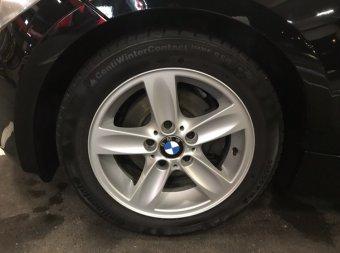 BMW Sternspeiche 140 Felge in 7x16 ET 44 mit Continental WinterContact TS 830 P SSR Reifen in 205/55/16 montiert vorn Hier auf einem 1er BMW E88 118i (Cabrio) Details zum Fahrzeug / Besitzer