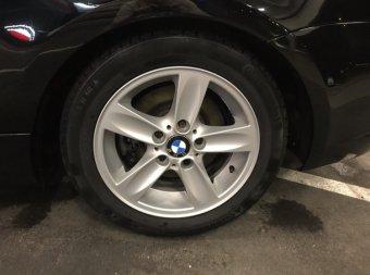 BMW Sternspeiche 140 Felge in 7x16 ET 44 mit Continental WinterContact TS 830 P SSR Reifen in 205/55/16 montiert hinten Hier auf einem 1er BMW E88 118i (Cabrio) Details zum Fahrzeug / Besitzer