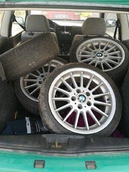 BMW Styling 32 Felge in 7.5x17 ET 34 mit Nexen  Reifen in 215/40/17 montiert hinten mit 20 mm Spurplatten Hier auf einem 3er BMW E36 323ti (Compact) Details zum Fahrzeug / Besitzer