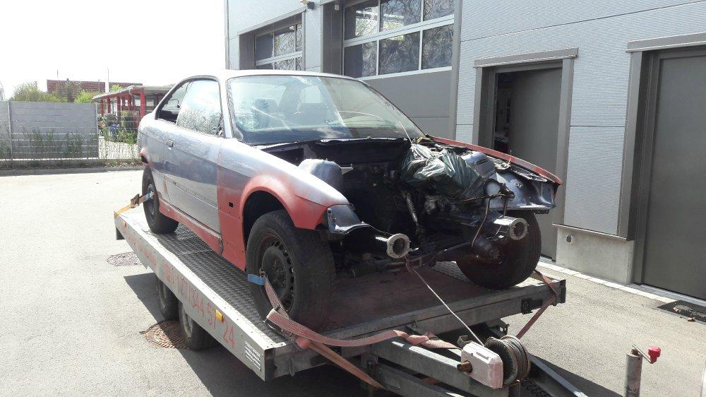 Samoa-Blauer Haufen Rost => Carbon-Schwarzes Coupé - 3er BMW - E36