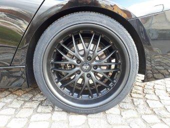 Barracuda Voltec T6 Matt Black PureSports Felge in 9x19 ET 33 mit Pirelli PZero Nero GT Reifen in 255/35/19 montiert hinten Hier auf einem 3er BMW F31 320i (Touring) Details zum Fahrzeug / Besitzer