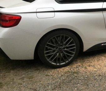 Borbet BS5 80830 Felge in 7x18 ET 38 mit Firestone Winterhawk3 Reifen in 225/40/18 montiert hinten Hier auf einem 2er BMW F22 M240i (Coupe) Details zum Fahrzeug / Besitzer