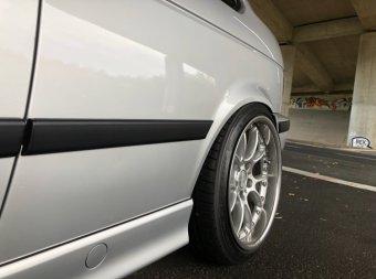 BBS RK II Felge in 10x18 ET 25 mit Falken Ziex 914 Reifen in 255/35/18 montiert hinten mit folgenden Nacharbeiten am Radlauf: Kanten gebördelt Hier auf einem 3er BMW E36 316i (Compact) Details zum Fahrzeug / Besitzer