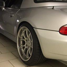 BBS RK II Felge in 10x18 ET 25 mit Falken Ziex 914 Reifen in 255/35/18 montiert hinten mit folgenden Nacharbeiten am Radlauf: Kanten gebördelt Hier auf einem Z3 BMW E36 2.0 (Roadster) Details zum Fahrzeug / Besitzer