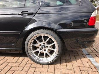 BBS RK II Felge in 10x18 ET 25 mit Falken Azenis Reifen in 245/35/18 montiert hinten mit folgenden Nacharbeiten am Radlauf: gebördelt und gezogen Hier auf einem 3er BMW E46 320i (Touring) Details zum Fahrzeug / Besitzer
