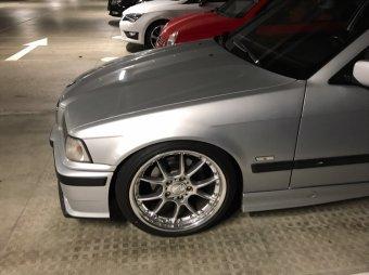 BBS RK II Felge in 8.5x18 ET 37 mit Falken Ziex 914 Reifen in 225/40/18 montiert vorn mit folgenden Nacharbeiten am Radlauf: Kanten gebördelt Hier auf einem 3er BMW E36 316i (Compact) Details zum Fahrzeug / Besitzer