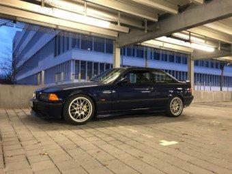 BBS RX 204 Felge in 8x17 ET 38 mit Hankook V12 Evo 2 Reifen in 215/45/17 montiert vorn mit 10 mm Spurplatten Hier auf einem 3er BMW E36 320i (Coupe) Details zum Fahrzeug / Besitzer