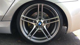 BMW M313 Doppelspeiche  by BBS Felge in 8.5x18 ET 52 mit kumho Ecsta Le Sport KU39 Reifen in 215/35/18 montiert hinten mit 15 mm Spurplatten Hier auf einem 1er BMW E87 130i (5-Türer) Details zum Fahrzeug / Besitzer