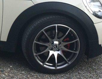 Tomason TN1 Felge in 8x17 ET 35 mit Hankook Ventus S1 Reifen in 215/45/17 montiert vorn Hier auf einem MINI BMW R56 Mini Cooper S (2-Türer) Details zum Fahrzeug / Besitzer