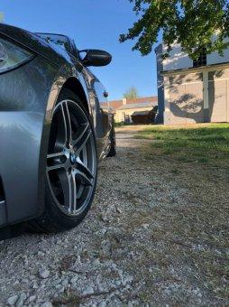 BMW M Performance 313 Perfomance Felge in 7.5x18 ET 49 mit Dunlop SP Sport Reifen in 215/40/18 montiert vorn mit 10 mm Spurplatten Hier auf einem 1er BMW E88 135i (Cabrio) Details zum Fahrzeug / Besitzer