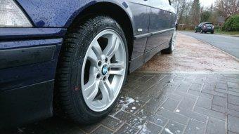 BMW Styling 112 Felge in 8x17 ET 46 mit Hankook Kinergy 4S Reifen in 225/45/17 montiert vorn Hier auf einem 3er BMW E36 318i (Cabrio) Details zum Fahrzeug / Besitzer