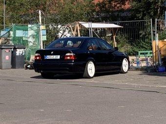 BMW M Performance Styling 65 Felge in 9.5x18 ET 22 mit Hankook  Reifen in 265/35/18 montiert hinten Hier auf einem 5er BMW E39 525i (Limousine) Details zum Fahrzeug / Besitzer