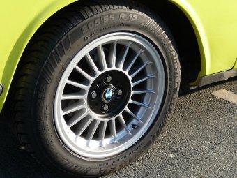 O.Z  Felge in 7x15 ET 12 mit - NoName/Ebay -  Reifen in 205/55/15 montiert hinten Hier auf einem Oldtimer BMW 1500-2000CS 2000C (Coupe) Details zum Fahrzeug / Besitzer