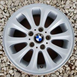 BMW Style 139  Radialspeiche Felge in 6.5x16 ET 42 mit Bridgestone Blizzak LM32 RFT Reifen in 195/55/16 montiert vorn Hier auf einem 1er BMW E88 118i (Cabrio) Details zum Fahrzeug / Besitzer